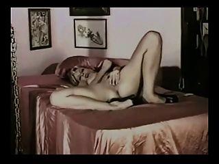 randi tormenta caliente sexy diversión con tacones de aguja y lencería