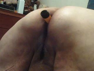 vibe en mi culo y juguete nuevo usado en mí