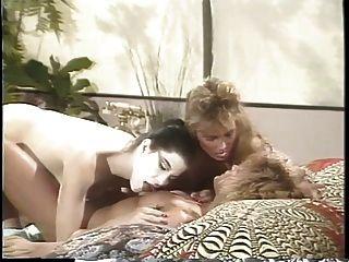 erica boyer con un trío lesbiano con dos novias en la cama
