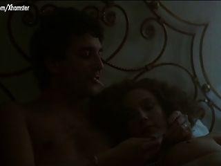 stefania sandrelli una donna allo specchio escenas desnudas