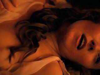 xena actriz jaime murray topless trío en spartacus