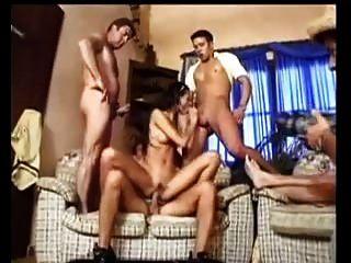 anal gangbang diversión en el sofá