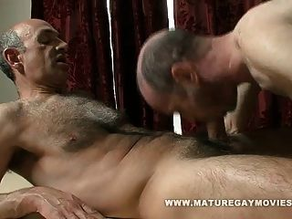 papi recibe un masaje y una mierda