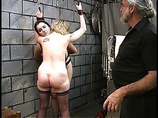 dos lesbianas linda bdsm sótano hacer y obtener cuerdas por el maestro len