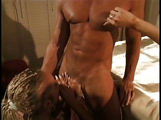 encantadora rubia puta anal con trenzas obtiene su culo follada por un gran pito