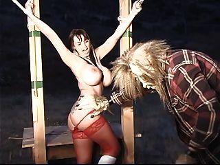 pequeña caperucita roja con tit grande obtiene restringido y torturado por el lobo grande mal