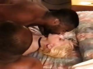 esposo cuckold comer el esperma de su coño