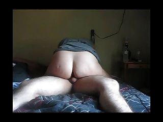 gruesa culo milf montar a su hombre