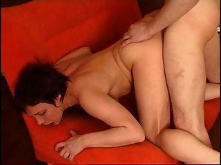 mujer madura rusa tener relaciones sexuales con jóvenes