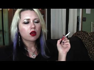 lápiz labial y fumar