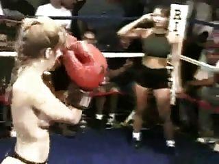boxeo en topless real
