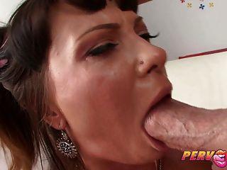 pervcity cute alysa le gusta un anal duro