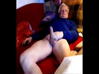 argentina senior euro papá agita su polla grande en la leva