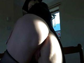 british slut lucy g juega con ella en medias