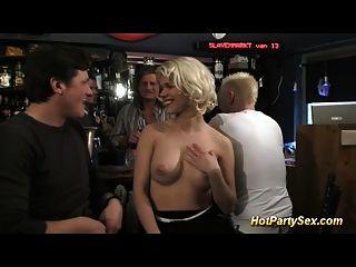 gangbang en el bar de cócteles