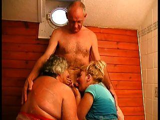 3 Algunos bj en el baño