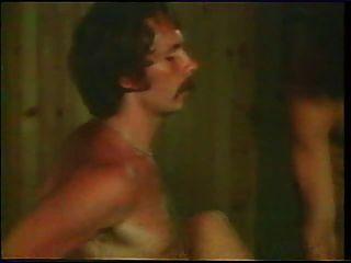 gaelle, malou ... et virginie 1977 (escena de sexo colectivo)