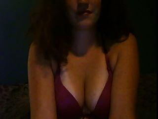 chica de pelo rojo amor para jugar con sus tetas