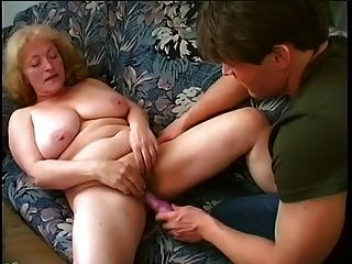 chubby granny chupa y folla joven