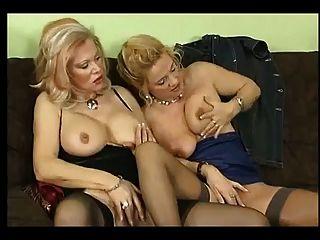 sexo con la esposa alemana y sus amigos