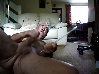 la mujer gorgeus me quiere masturbándose para verme cumming