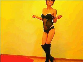 sexy 52 años gilf bailando (no desnudo)