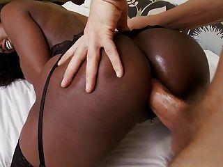 mujer negra ama polla blanca