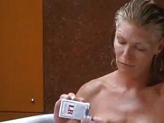 susie porter y kelly mcgillis en la ducha tata tota lesbianas
