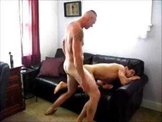 músculo papá y su amante latino 2