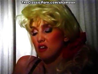 increíble estrella porno clásica en la escena del sexo clásico