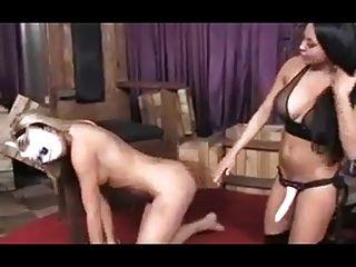 lesbian strapon sexo