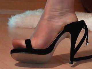 pies de nylon ultra transparente en sandalia