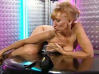 foxy gastar otra noche en los teléfonos en la oficina de rlc