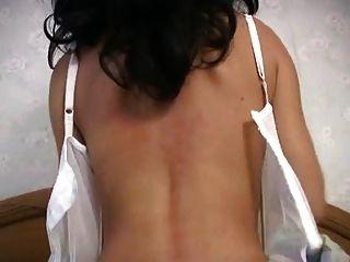 hot milf en ropa interior blanca