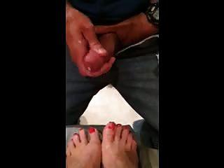 misshotwife dejando marido cum en mi naranja dedos pintados