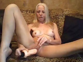 la abuela sexy le encanta jugar