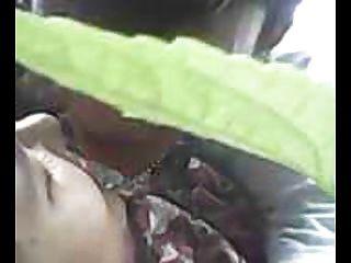 indonesia cewek jilbab ngentot al aire libre