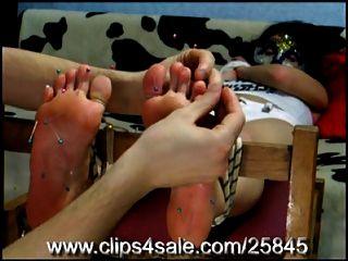tortura en los pies