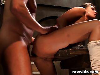 tori lane obtiene su culo boquiabierto duro