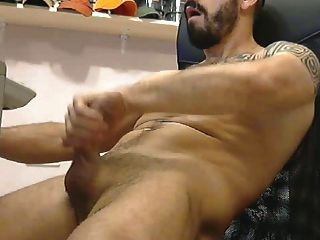 tatooed músculo caliente stud jack off