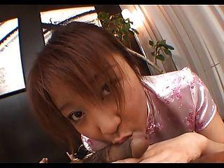 ayumi haruna en un vestido de seda chupa