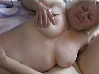 dos abuelitas gorditas se divierten