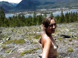 chica obtiene culo follada en el bosque 1 de 2