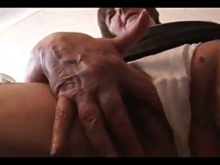 sexy peluda abuelita en mini falda