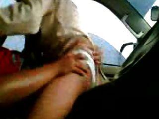 tudung en el coche