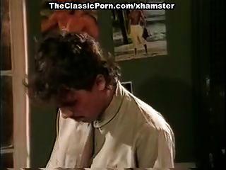 veranos de jamie, kim angeli, tom byron en escena de sexo clásica