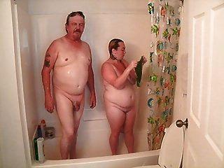 tomar una ducha sin mi padrastro