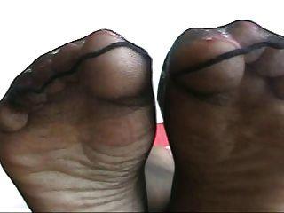 pies de nylon de ébano jugar 2