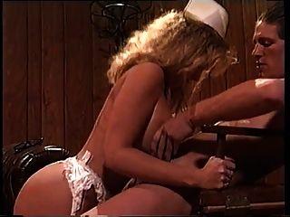 sexy lady victoria paris folla a un nerd en un uniforme de enfermera
