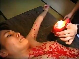 torturando un ol japonés con sparklers